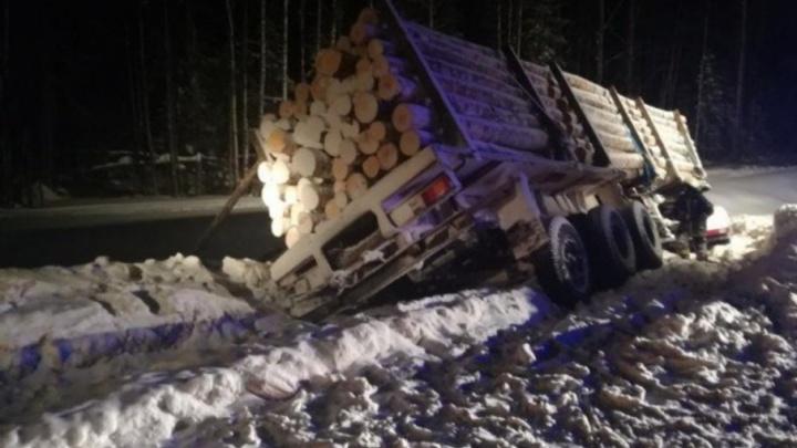 В Холмогорском районе в ДТП с лесовозом погибли двое человек