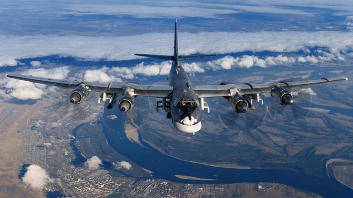 Летящий в Сирию бомбардировщик сфотографировали в небе над Волгоградом