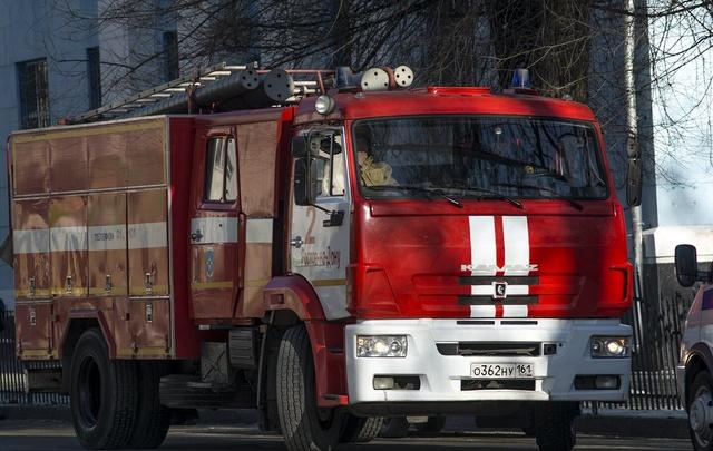 На Дону более 500 населенных пунктов окружили противопожарными полосами