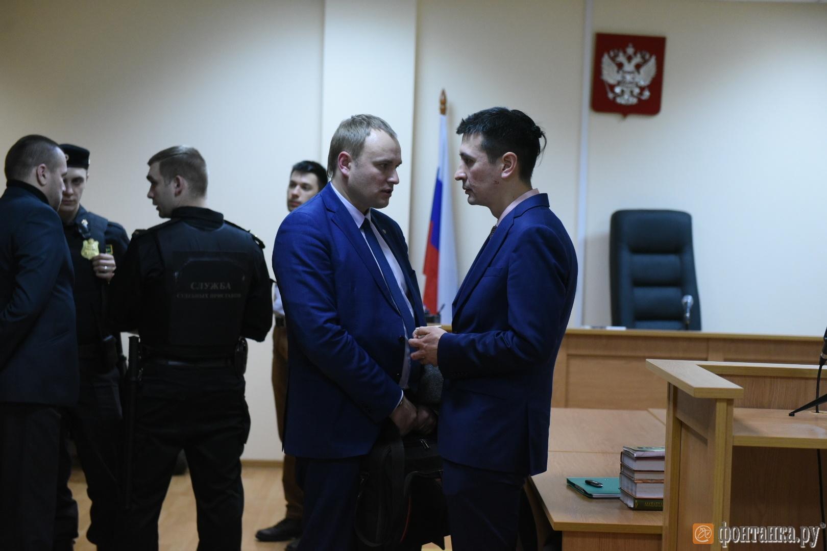 Дмитрий Угай с авдвокатом Сергеем Латышевским