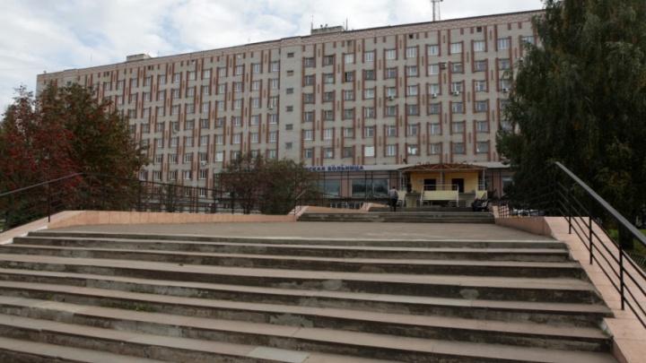 В палаты Ярославской областной больницы после ремонта завезут современную мебель
