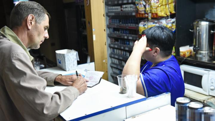 В Ярославле нашли ларек, который ночью торгует «левым» алкоголем