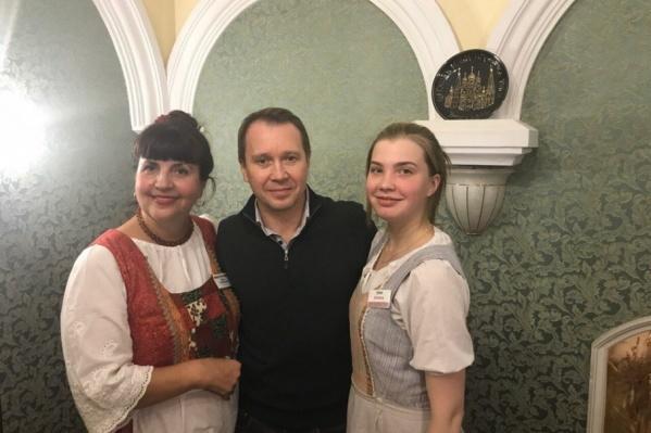 Евгений Миронов охотно фотографировался с ярославцами