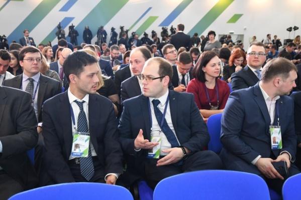 Сергей Бурцев (в центре) попал в число финалистов конкурса «Лидеры России»