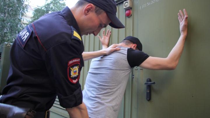 В Плесецке рецидивист за один вечер отнял деньги у двух пенсионерок