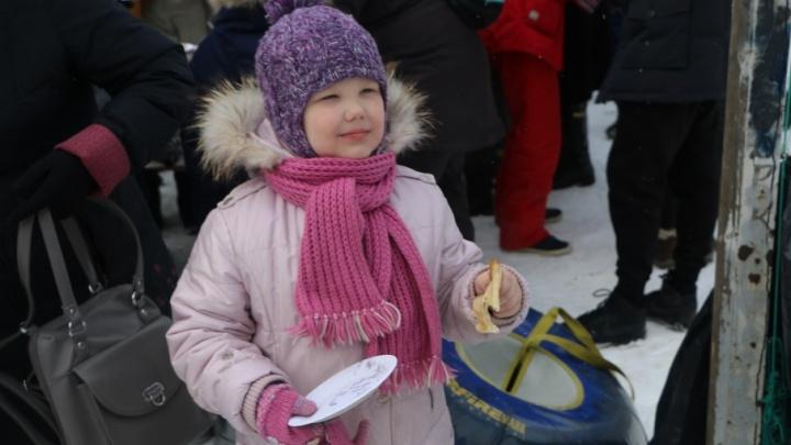 Александр Фролов и фонд «Аквилон-Инвест» устроили Масленицу в семи дворах Архангельска