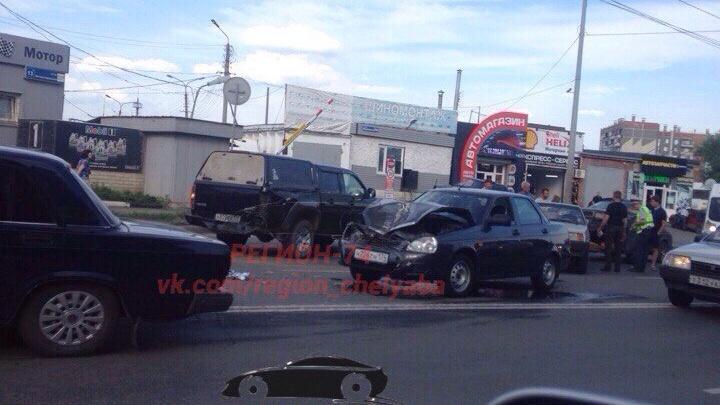На северо-западе Челябинска образовалась пробка из-за ДТП
