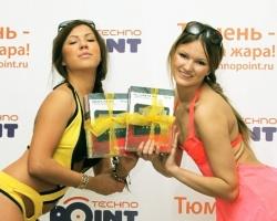 Жара пришла в Тюмень: за самых летних девушек голосуем здесь