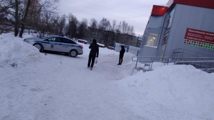 «Имеют право!»: ярославцы обсуждают служебную машину Росгвардии на тротуаре