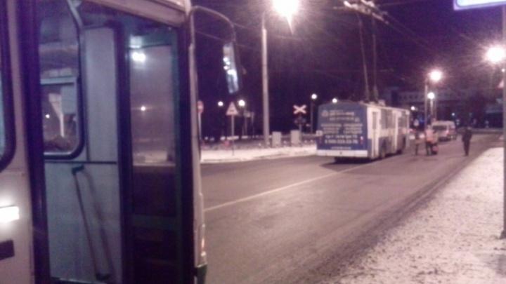 В Ярославле встали троллейбусы