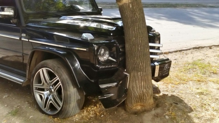 В Самаре водитель «Гелика» уходил от аварии на встречке и сбил пешехода