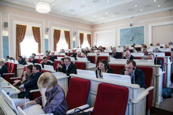 В облсобрании не поддержали инициативу депутата Юрия Шарова
