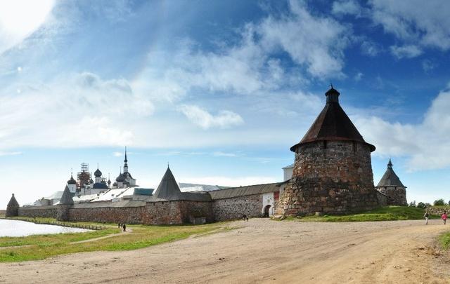 В Архангельске подготовят внештатных экскурсоводов для Соловков