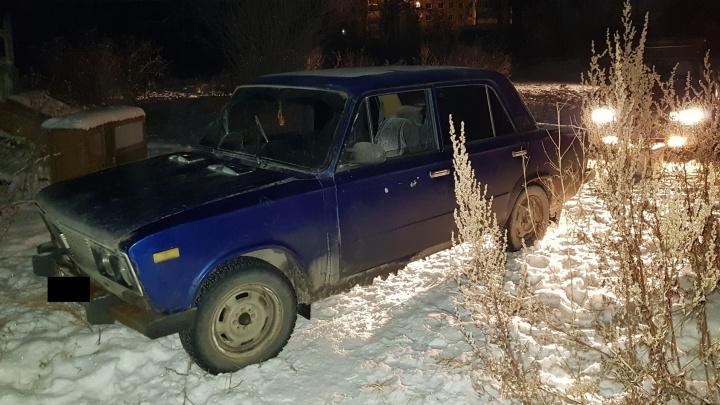 В Серове сотрудники ГИБДД устроили погоню за парнями, которым захотелось покататься на угнанной машине