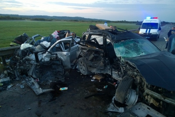 Страшная авария случилась ранним утром