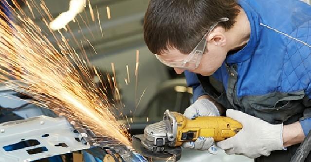 Кузовные автомобильные работы: только в профессиональные руки