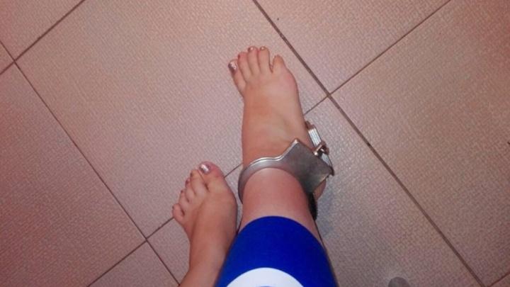 В Тольятти спасатели сняли наручники с ноги любительницы ролевых игр