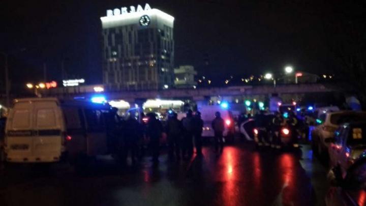Угроза террористического акта и диверсии: в центре Ростова внезапно перекрыли два вокзала