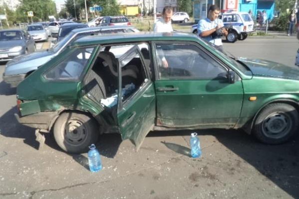 Ребёнок выпал из разбитого окна на дорогу в ДТП 28 августа