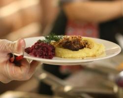 Со 3 по 7 января в ресторане «Уральские пельмени» семейные обеды всего за 950 рублей