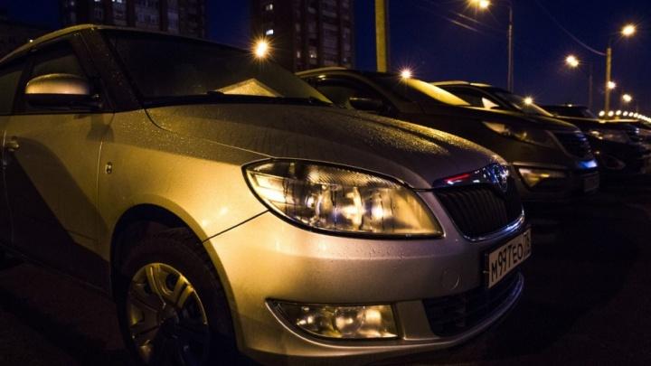 BMW за 600 тысяч и «однушка» за полмиллиона: приставы распродают имущество должников