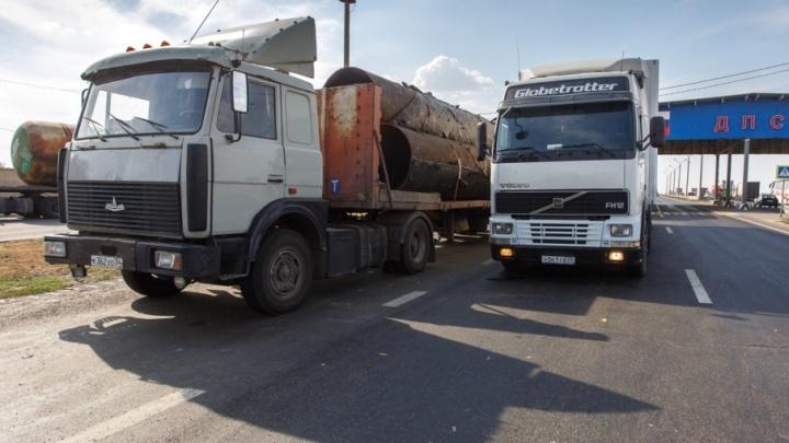 В Волгограде озаботились спасением дорог от фур-«убийц»