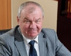 Анатолий Якушев, директор челябинского филиала Финансового университета при правительстве РФ: «Заочник – человек героический!»