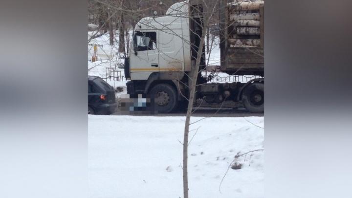 На Гайве под колесами МАЗа погибла пенсионерка