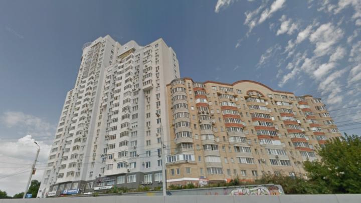 Изъяли целый арсенал: мужчина открыл стрельбу из окна элитной высотки в Челябинске