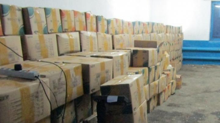 Тюменские таможенники задержали груз с 21 тонной насвая