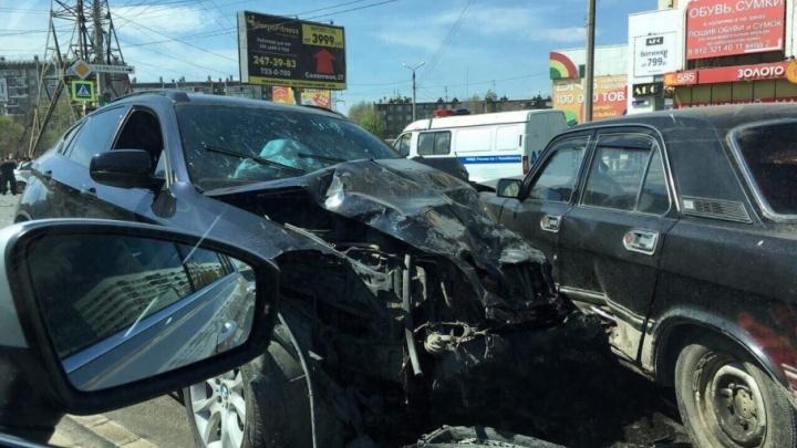 Пил на месте ДТП: на пьяного водителя BMW, устроившего смертельную аварию на Комарова, завели дело