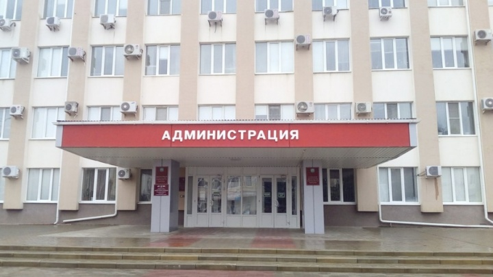 Сотни тысяч на фуршеты: бывшую замглавы администрации Сальска осудили за мошенничество
