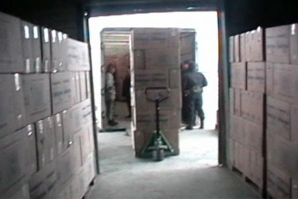 Поддельную туалетную бумагу в Челябинске производили нелегалы из Средней Азии