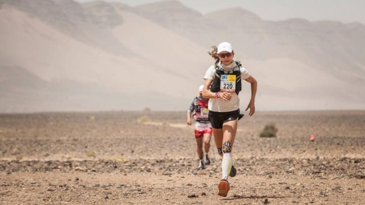 «Мой самый жесткий конкурент — это я»: пермячка выиграла два этапа марафона по марокканской пустыне