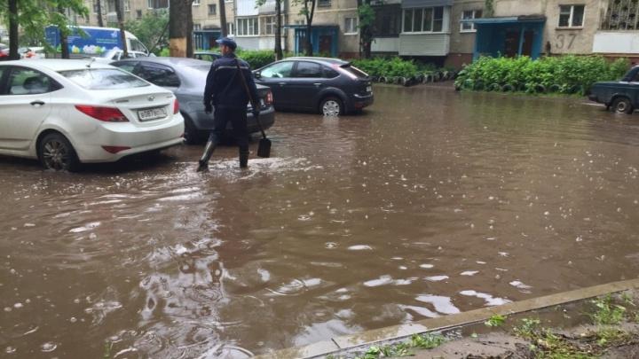 Потоп после дождей: в мэрии Ярославля рассказали, почему город тонет каждый год