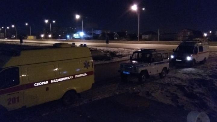 Сегодня ночью тюменские спасатели вытащили из теплокамеры окровавленного мужчину