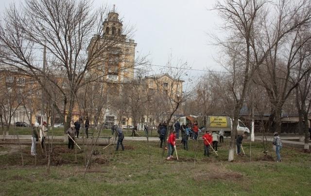Пять тысяч волгоградцев приняли участие в большой весенней уборке