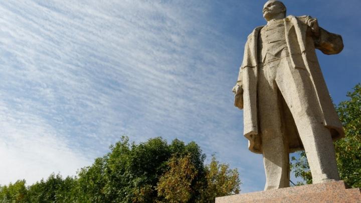 «Ленин жив»: волгоградец собрал коллекцию памятников вождю пролетариата