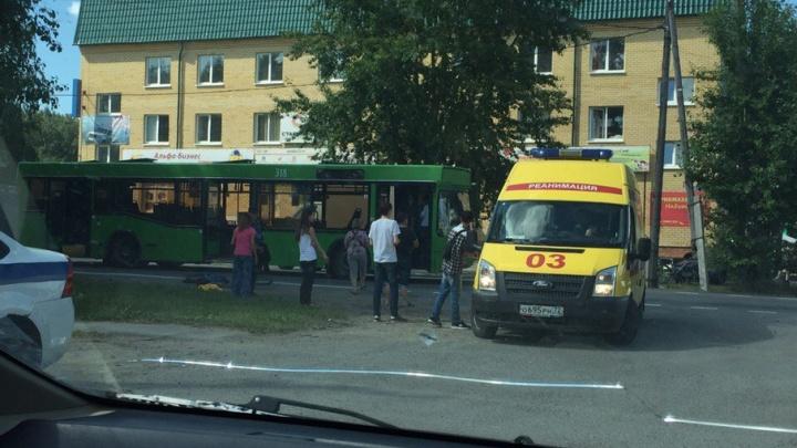 На Авторемонтной автобус №14 сбил подростка на велосипеде