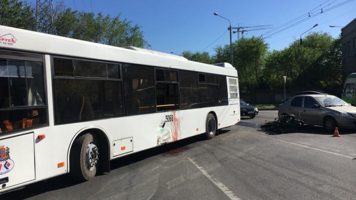 В Ростове-на-Дону после столкновения с автобусом № 71 погиб мотоциклист