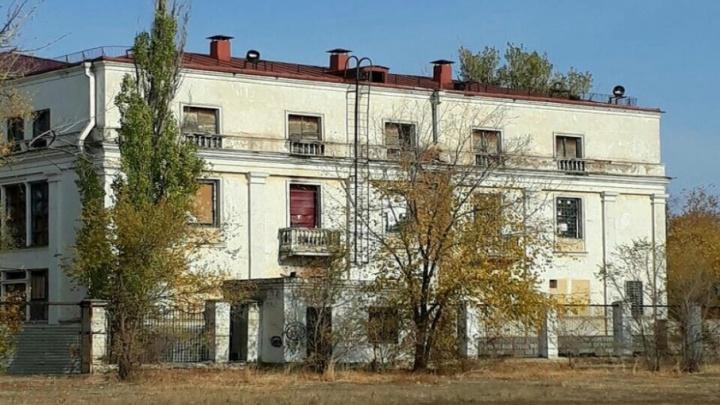 Некогда цветущий парк тракторного завода превратился в волгоградскую Припять
