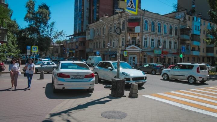 Я паркуюсь, как чудак: публикуем еженедельный хит-парад ростовских гуру парковки