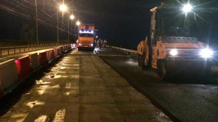 В Самаре начали асфальтировать отремонтированную часть Южного моста