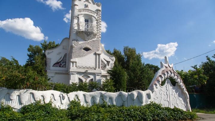 Волгоградец построил сахарный замок в пять этажей