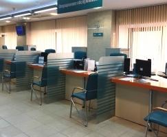 Обновленный зал головного офиса Запсибкомбанка готов принимать клиентов
