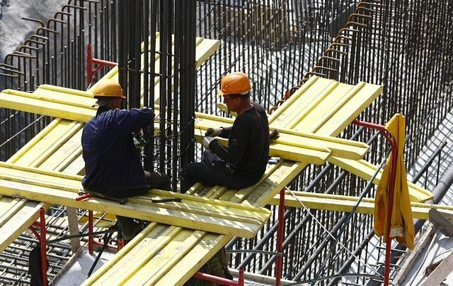 В Самаре растет спрос на рабочих заводов, инженеров, строителей и менеджеров продаж