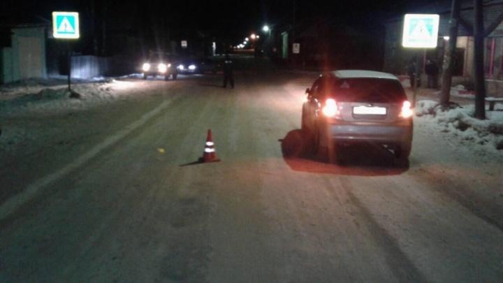 В Пинеге нетрезвая женщина на иномарке наехала на пьяного пешехода