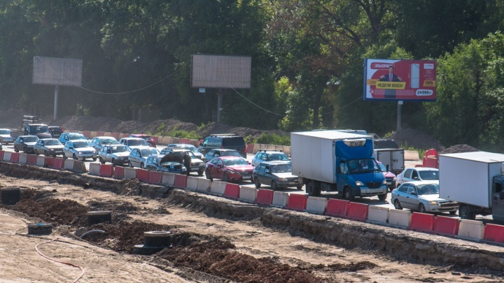 «Это будет коллапс»: новое Московское шоссе перекрыло проезды к домам на Мехзаводе