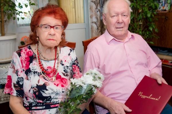 Пётр и Нина Храмцовы познакомились в школе и начали переписываться во время войны