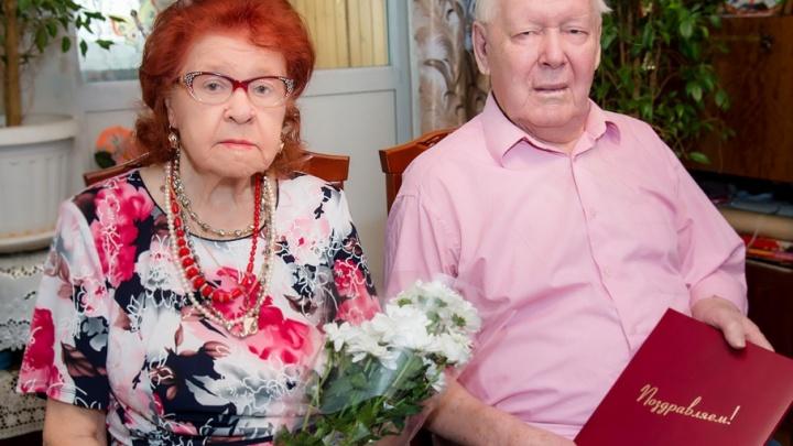 «Каждую минуту проводим вместе»: старейшая пара Челябинска отпраздновала 70-летний юбилей совместной жизни